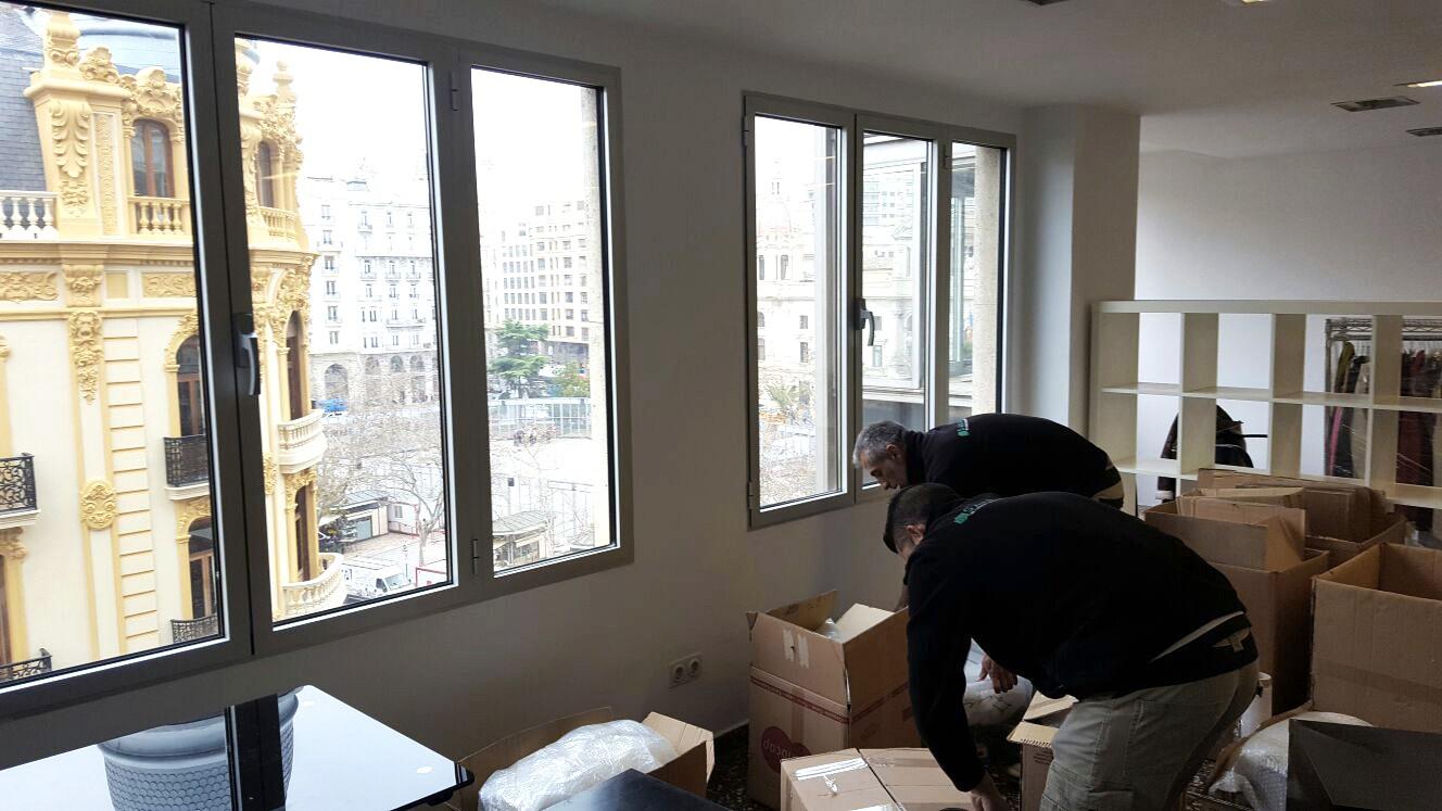 Mudanza de oficinas en el centro de valencia san antonio for Mudanzas de oficinas